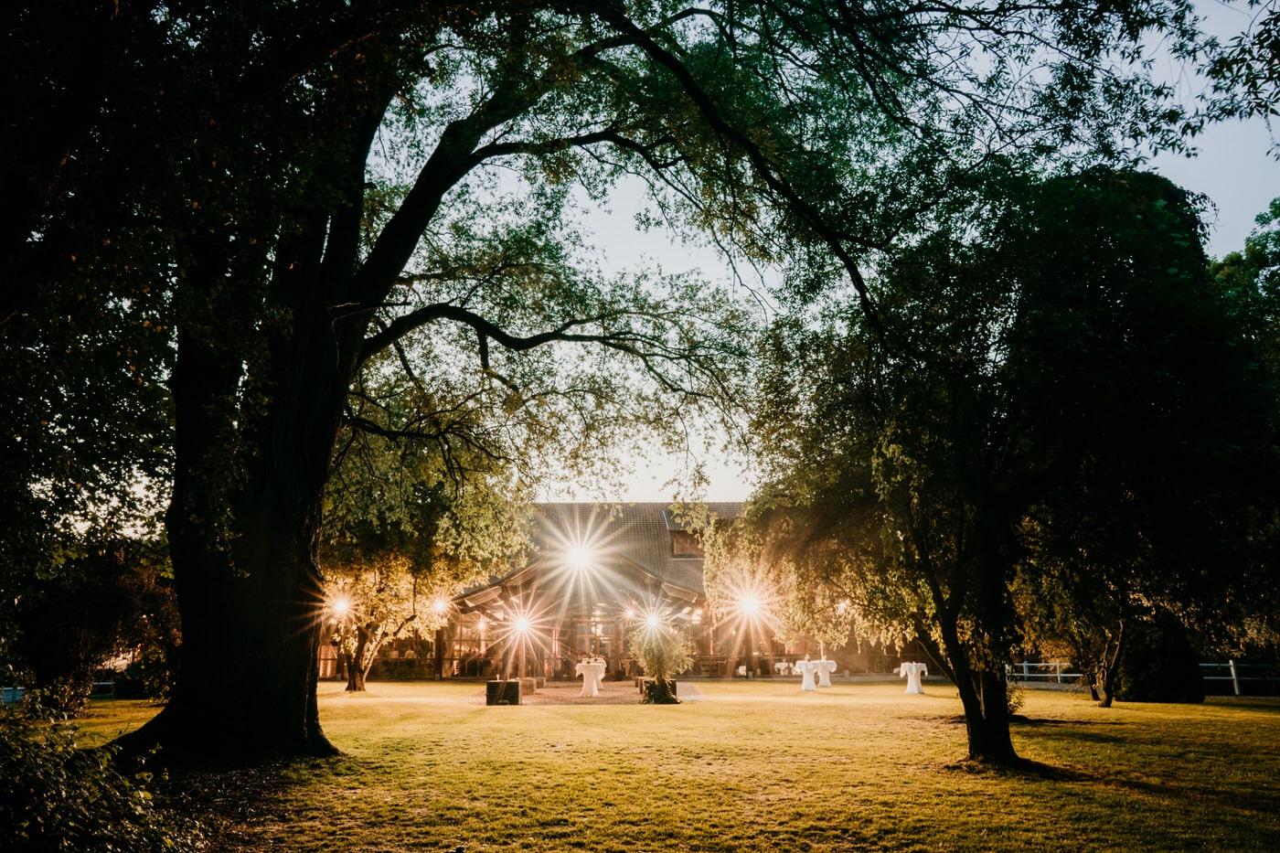 Mariage champêtre et doré à la Ferme des Templiers